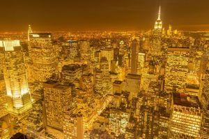 日没のニューヨークマンハッタンの夜景