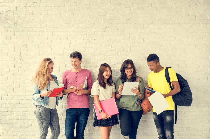 学生におすすめのクレジットカードを比較!カードのメリットや注意点を解説