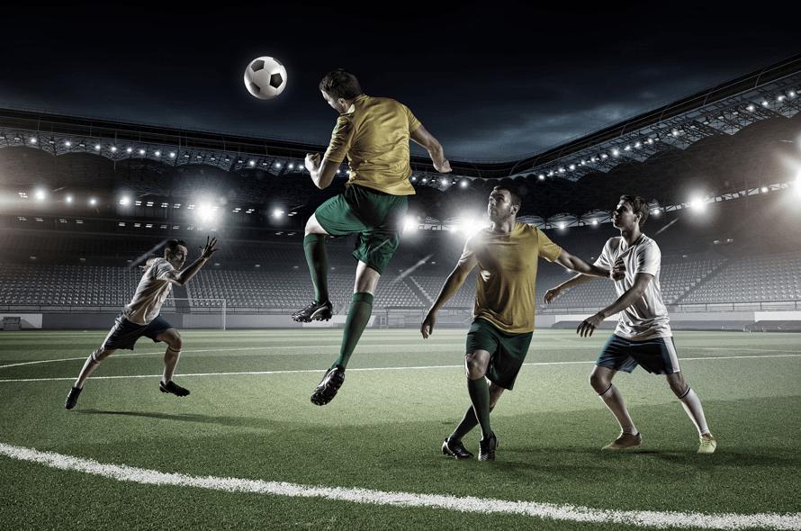サッカーをする人たち