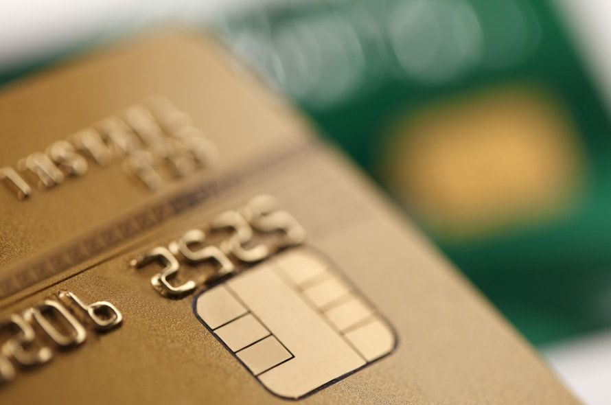 ゴールドカード取得に必要な年収の目安【2018年版】正しい審査基準を知ろう