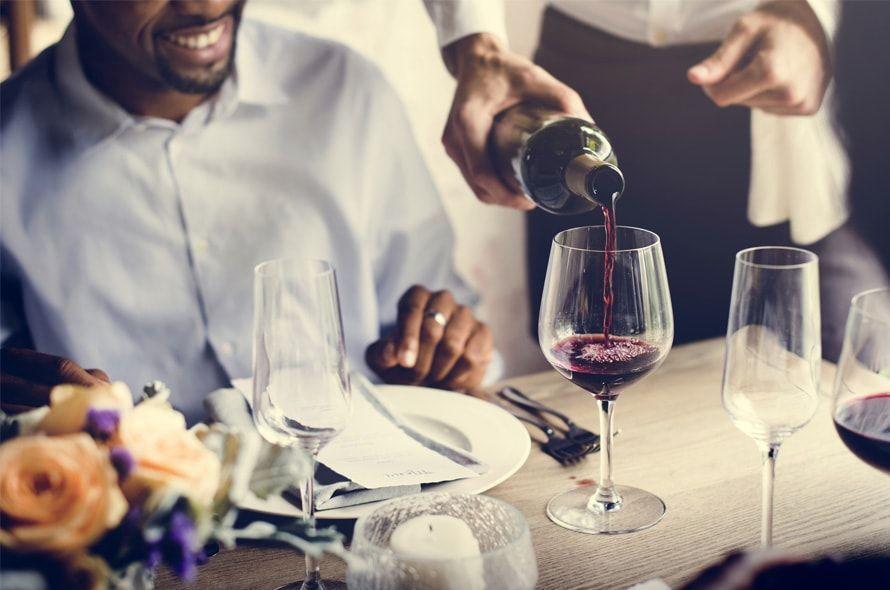 高級レストランがお得!「招待日和」はクレジットカードの特典で