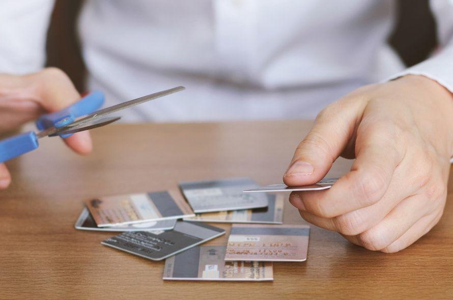 オリコカードの解約方法をわかりやすく解説!年会費や解約時期の注意点とは