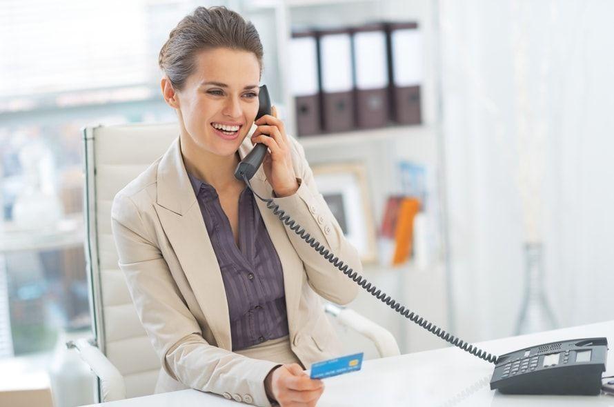 オリコカードの問い合わせ先をお知らせ!電話・メールで疑問を解決!