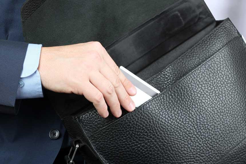 コーポレートカードのゴールドカードを使うメリットやおすすめカードを紹介