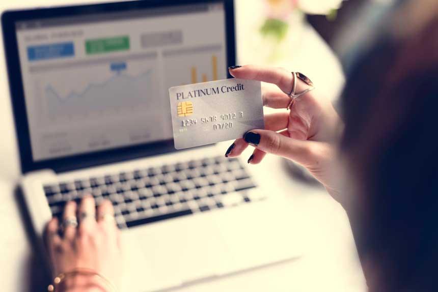 法人用おすすめプラチナカード3選!サービスや年会費を徹底比較