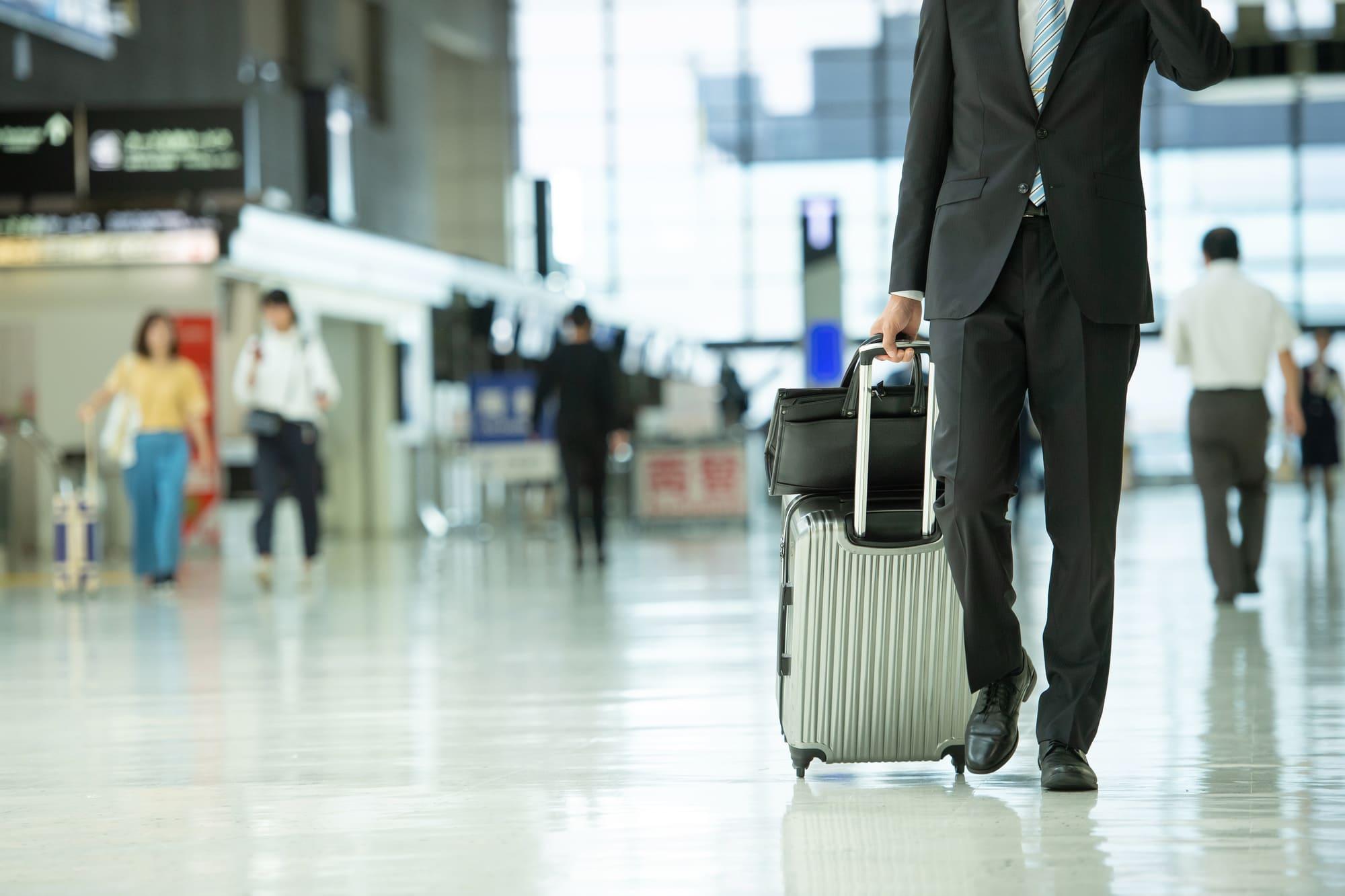 アメックスビジネスゴールドカードの空港で使いたいサービスを紹介