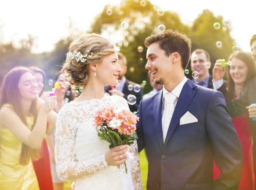 結婚で名字が変わった!クレジットカードの名義変更を徹底解説
