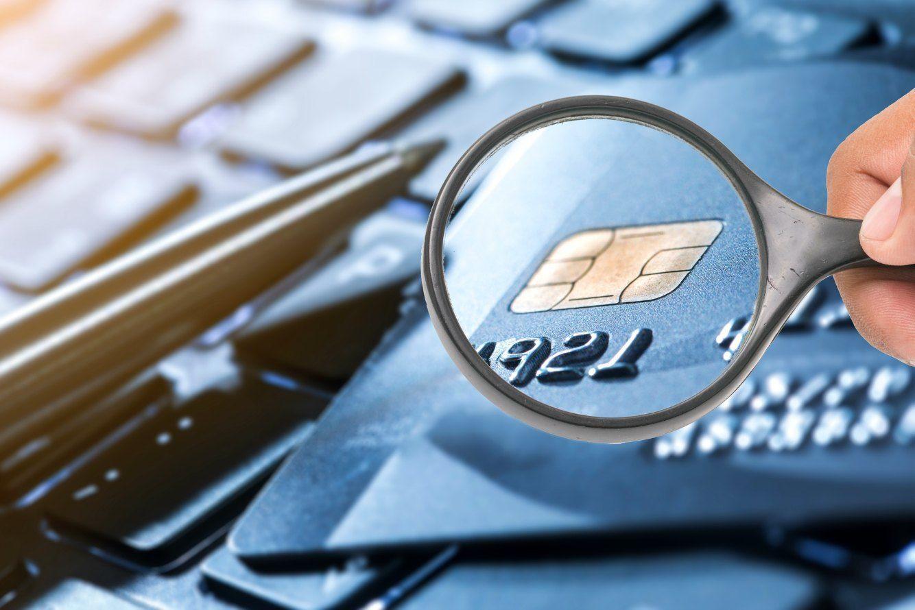 ICチップを搭載したクレジットカードのメリットと注意点を解説
