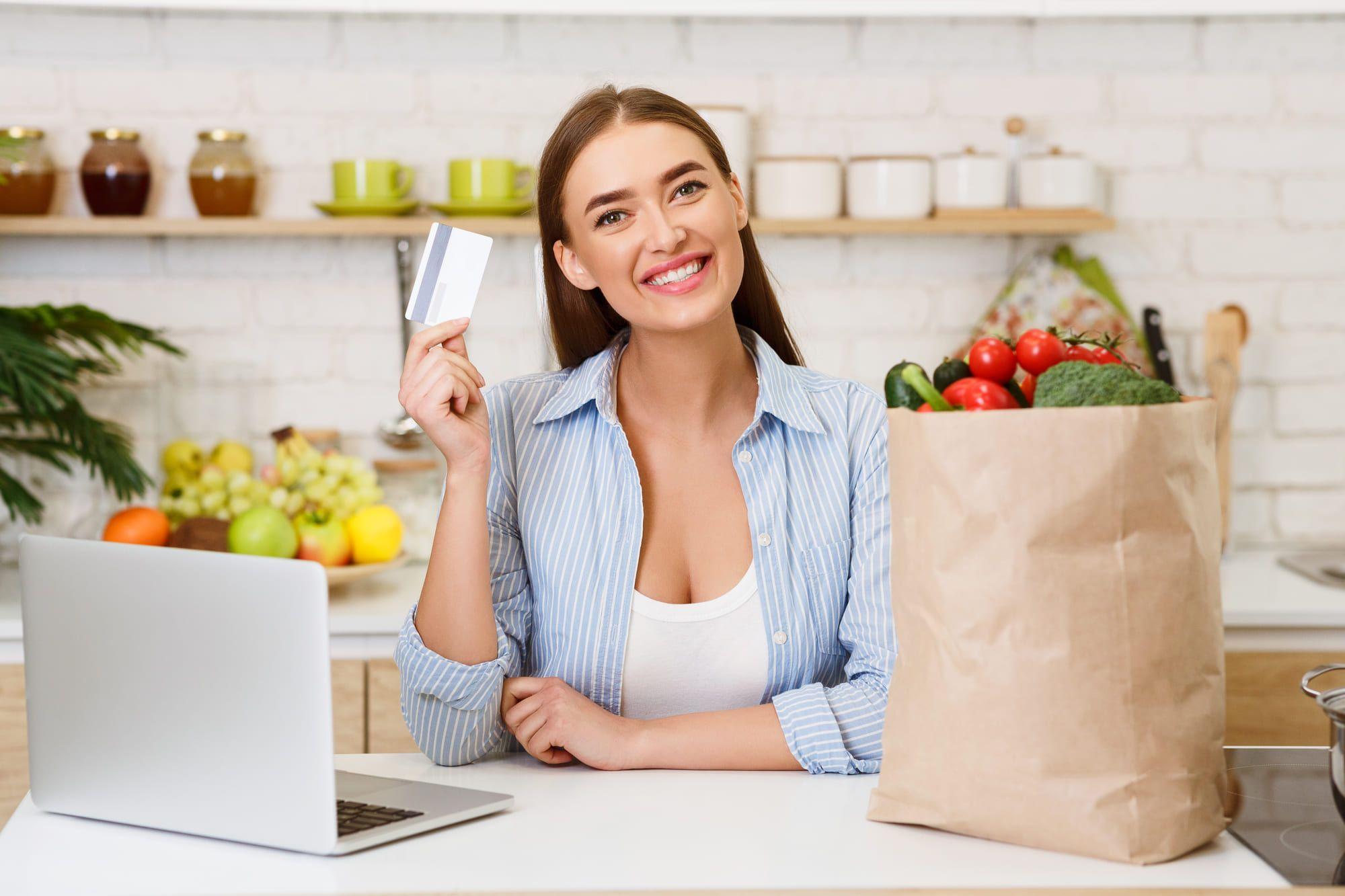 クレジットカード払いで節約になる? メリット・デメリットを徹底解説