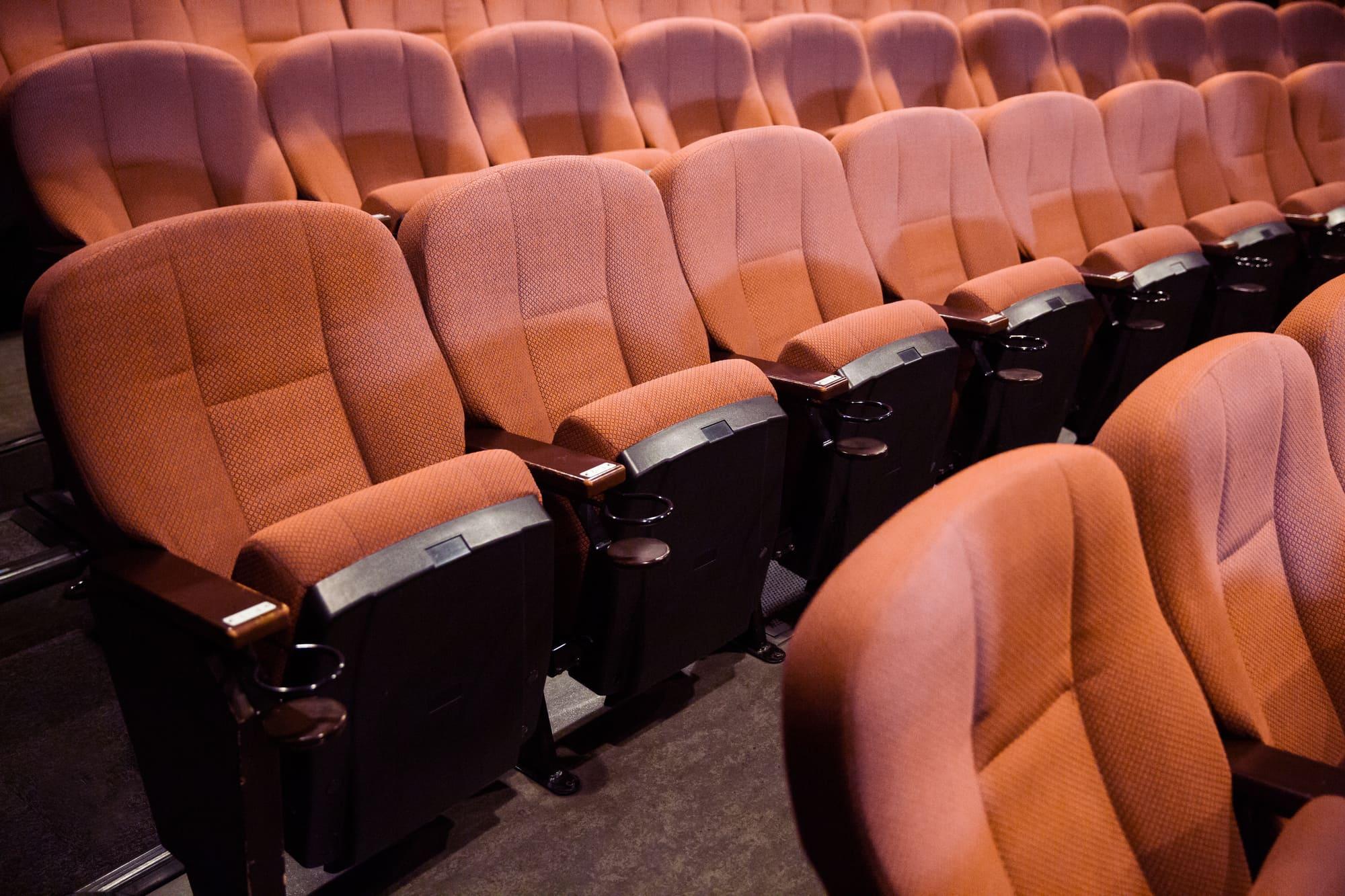 映画を安く見る方法とは?映画が割引になるおすすめクレジットカード5選!