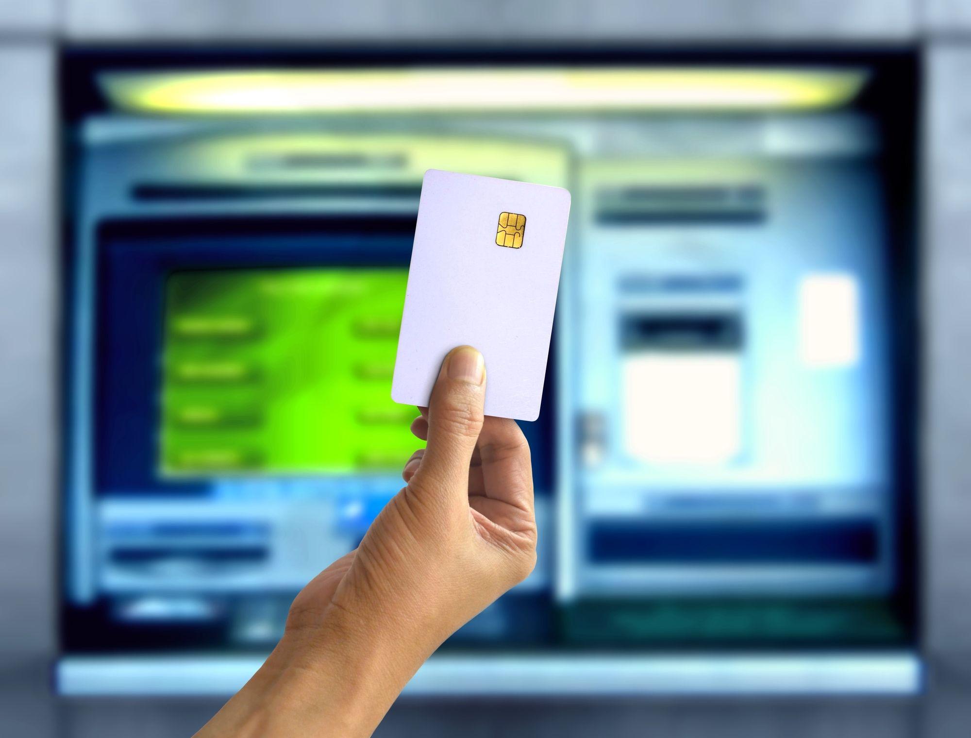 海外旅行におすすめ!クレジットカードの海外キャッシング