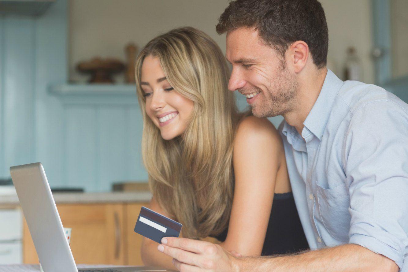 モテる人気のクレジットカードはコレ!デザインや年会費でおすすめカードを比較