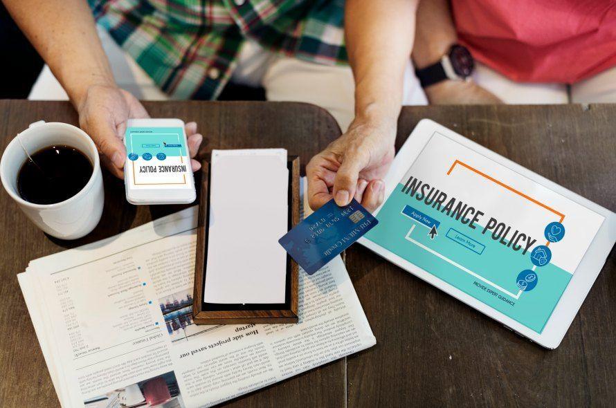 クレジットカードの保険