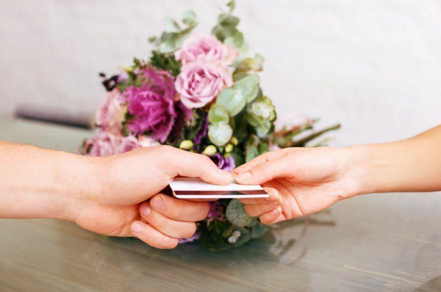 クレジットカードとバラ