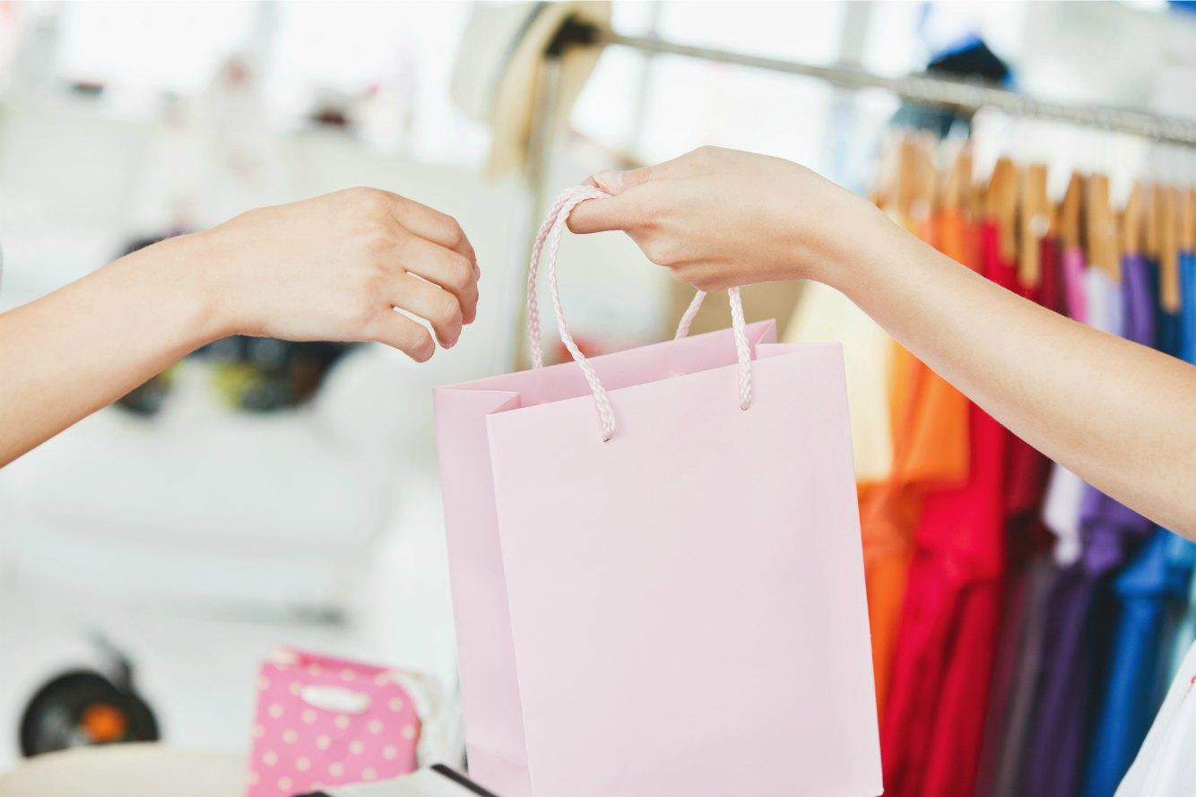 クレジットカードの返金とはどんな処理?いつ、どのように返金されるかを解説