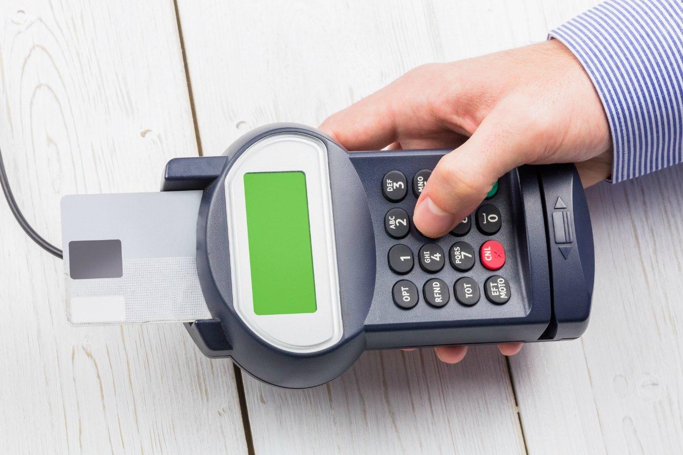 クレジットカードを暗証番号で決済する