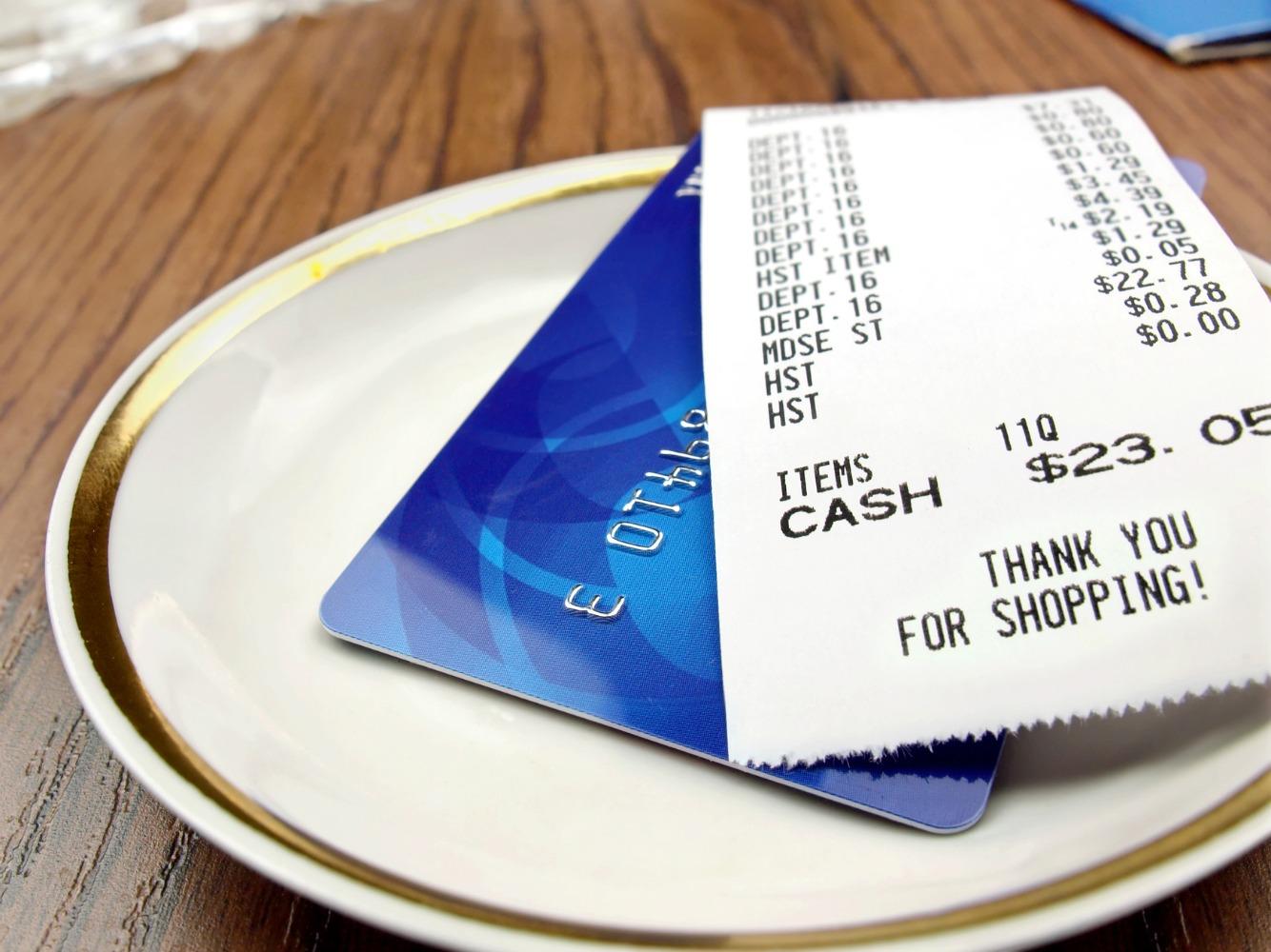 クレジットカードと領収書
