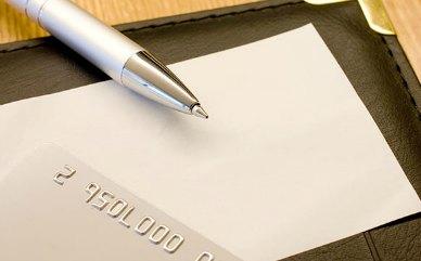 クレジットカードのサインは重要?おすすめの書き方とは