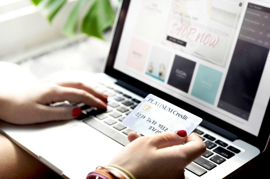 複数のクレジットカードを持つメリットとデメリットを徹底解説!