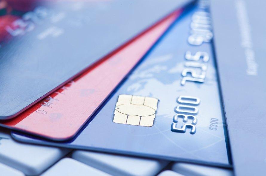 クレジットカードの番号を瞬時に理解!番号の重要性と管理方法を解説