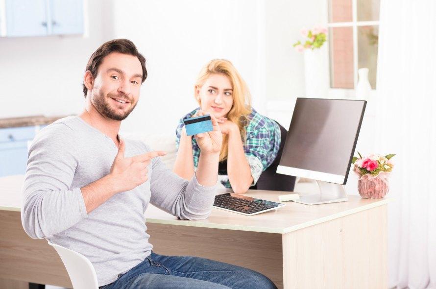 クレジットカードの申し込み方法を詳しく解説!用意するものやかかる日数の違い