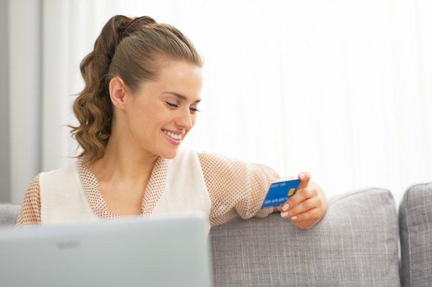 NTTのクレジットカード「NTTグループカード」のメリットを紹介