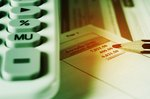 クレジットカードの金利が発生するパターンと、年利の計算方法を解説