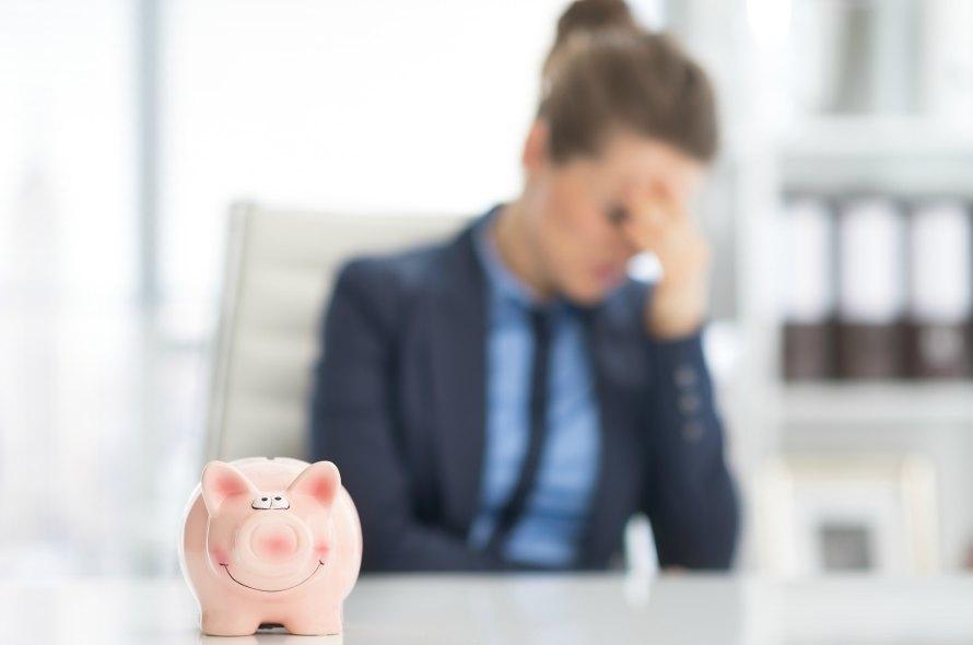 クレジットカードの返済が滞納しそう!高すぎるリスクと対処策を解説!