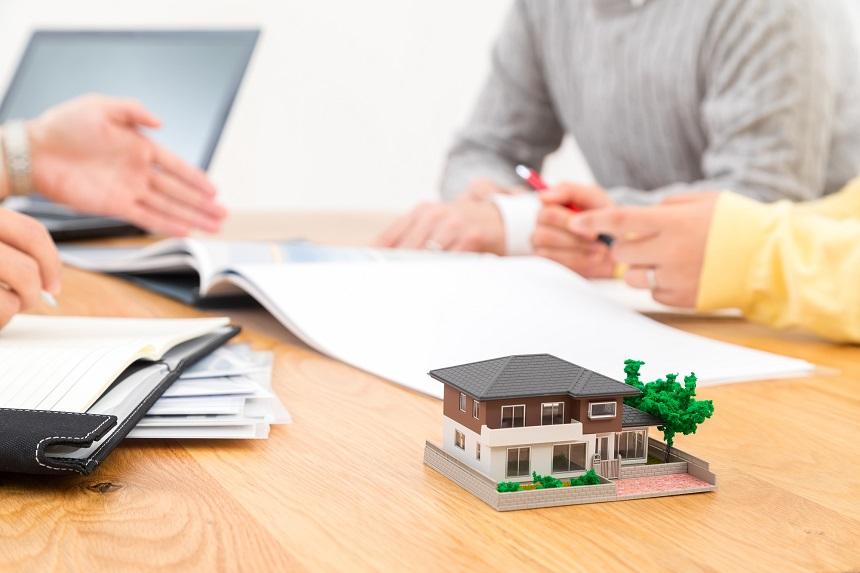 住宅ローンを相談すべき相手とは?FPや銀行に相談できる内容や準備方法
