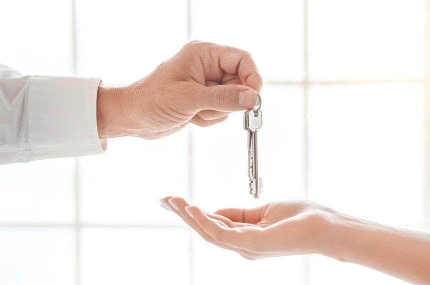 住宅ローン返済中に転勤決定!自宅を賃貸することで起こる2つのリスク